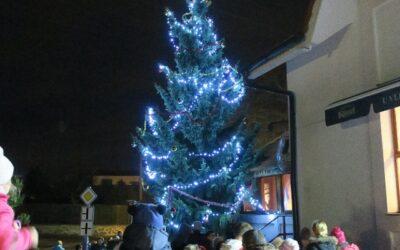 1. prosince 2019 – Ládevský vánoční strom
